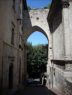 225px-Perugia_-_Porta_Trasimena